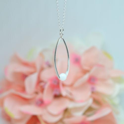 Le-bijou-de-maman-bijou-lait-maternel-perle-pendante