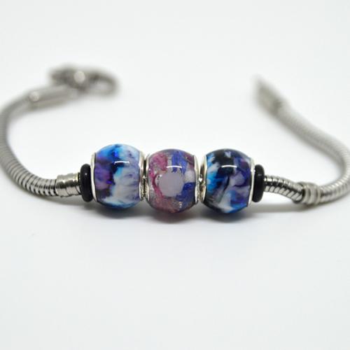Le-bijou-de-maman-bijoux-de-lait-bracelet-ma-violet-lacte-fleuri