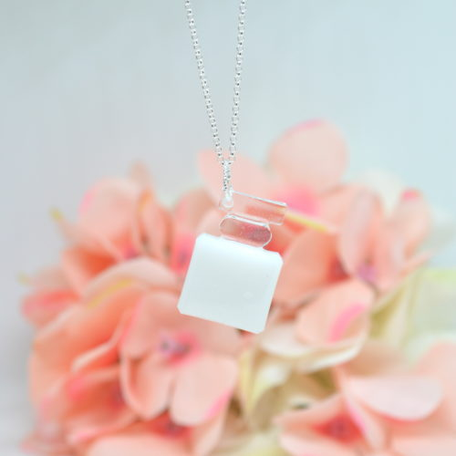 Le-bijou-de-maman-bijoux-de-lait-maternel-bijoux-personnalisables-mon-elixir